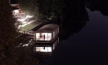 floating house : by night